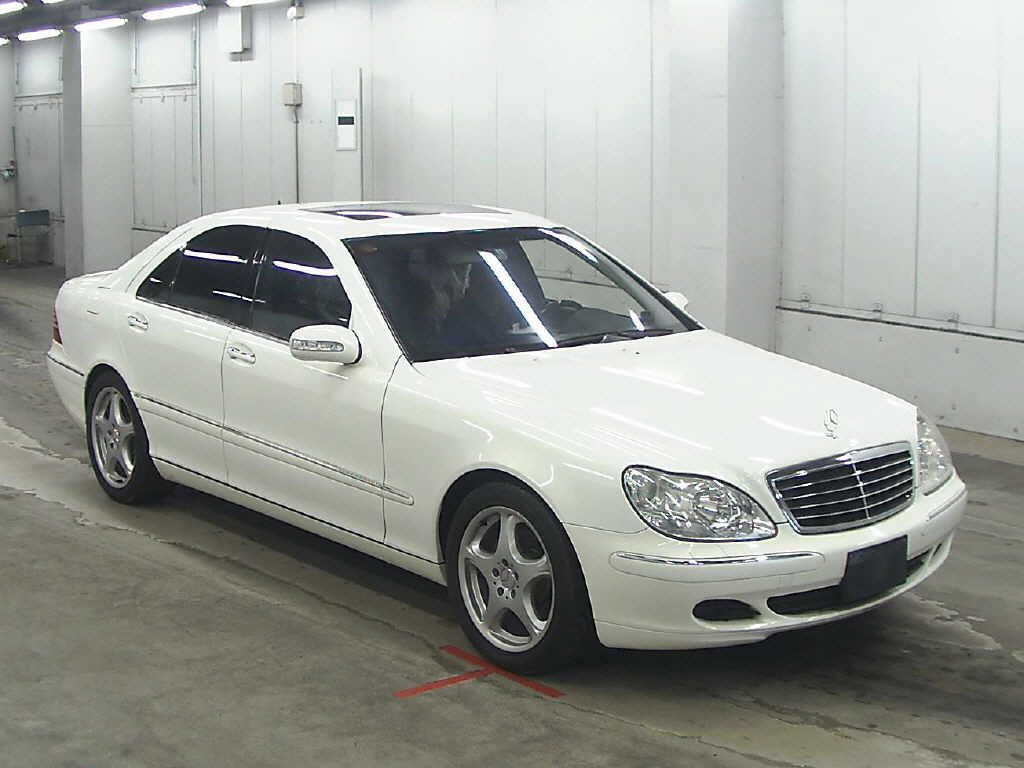 used class loaded with fuuly head s mercedes mbz benz up sedan display detail very luxury