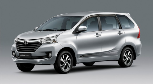 Toyota Avanza 2017 vs Toyota Hilux 2017   JP Vehicles